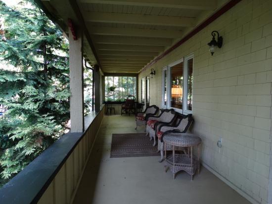 Shawnigan Lake, Kanada: veranda voorkant