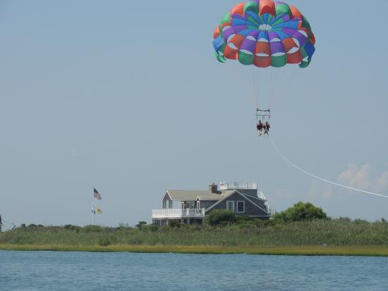 ‪Beach Haven Parasail‬
