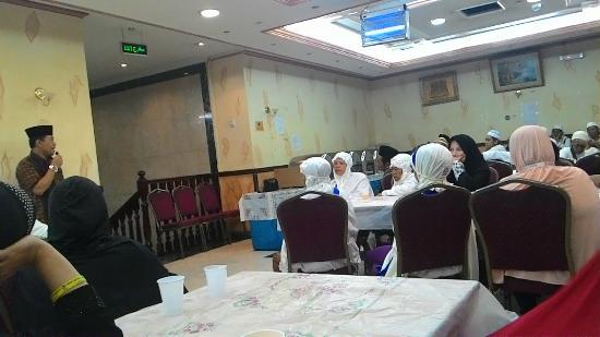 Al Fayrouz Shatta Hotel: Dining room is not big enough