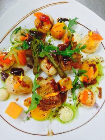 Clancy's Bar & Restaurant: Surf & Turf Scallops