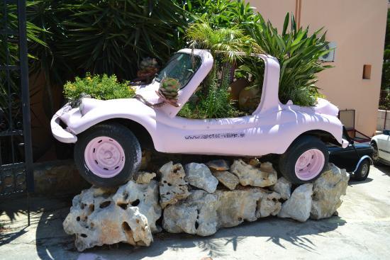 Iapetos Village: Прикольная машинка