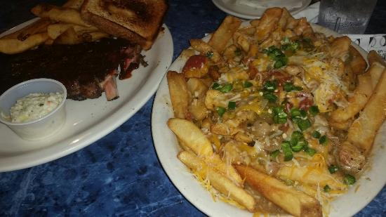 Blues City Cafe: Seriously good food. Ribs are delicious, but come on ...