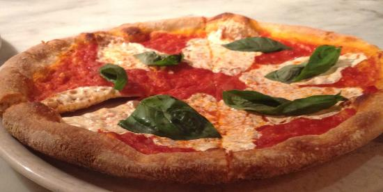 Amorina Pizza Rustica