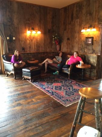 Clyde Park, MT: Relaxing in the Barn....