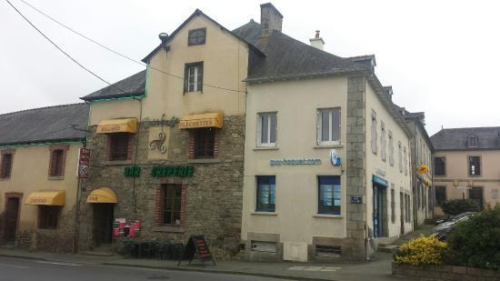 Caulnes, فرنسا: Façade