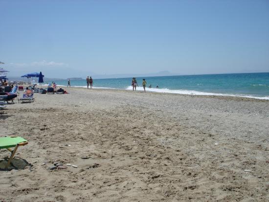 Akti Chara Hotel: Beach area