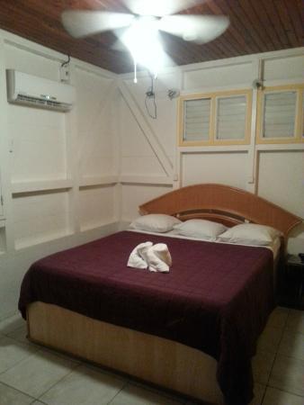 Hotel Le Manguier: la chambre