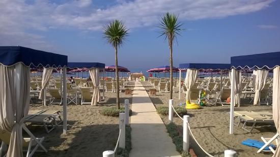 Ristorante bagno flora marina di massa restaurant for Bagno unione marina di carrara