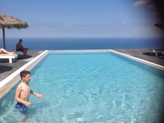 Eos Villa: Infinity pool