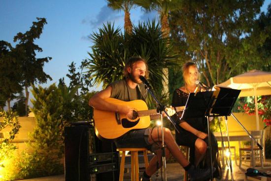 Psalidi, Yunani: Live music With Eric&Ellen