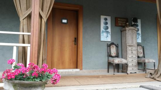 Village Park Country Resort: Private rooms entrance