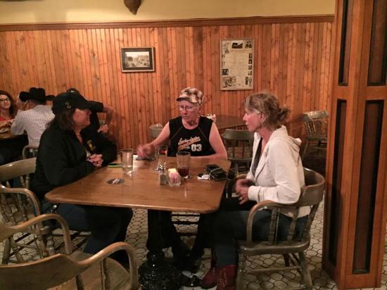 Hotel Eklund Restaurant: A cool beer after 400 miles on our Harleys