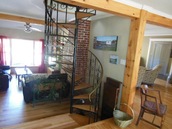 Edgewater Inn B & B : Spiral staircase