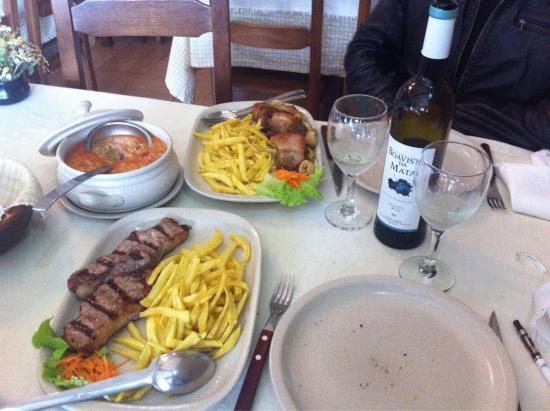 Foto de restaurante casa no campo arouca for Restaurantes casa de campo