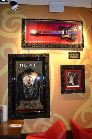 Decorado del baño   picture of hard rock cafe ibiza, ibiza town ...