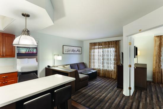 Englewood, CO: Two Bed Room Two Bath Suite