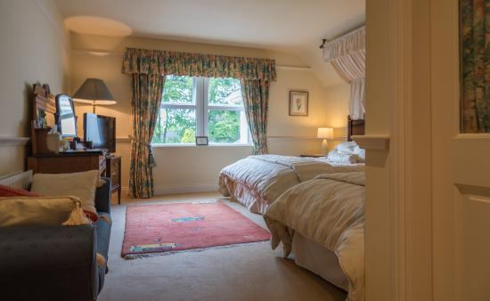 Fuchsia Guest House : A Twin bedroom