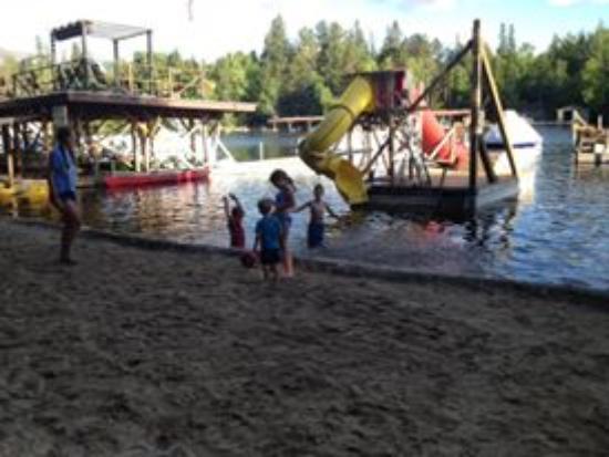 Ludlow's Island Resort: Beach