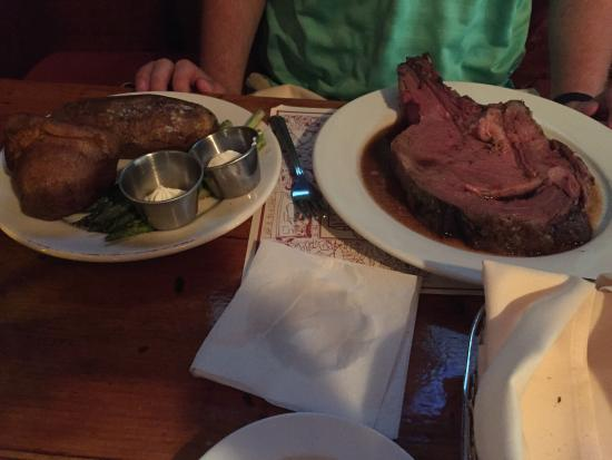 The Bull Run Restaurant: Great Spot!