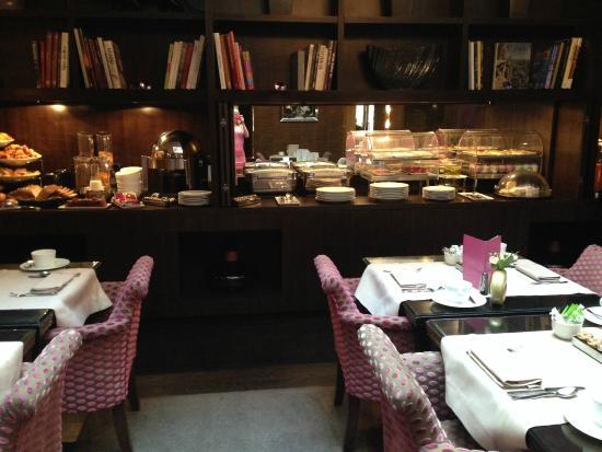 Champs Elysees Plaza Hotel: Ресторан