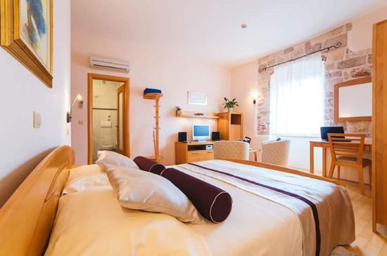 Hotel Park Hvar: Standard double bedroom