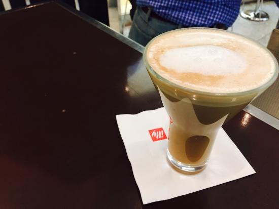 Espressamente Illy: Great coffee and deserts