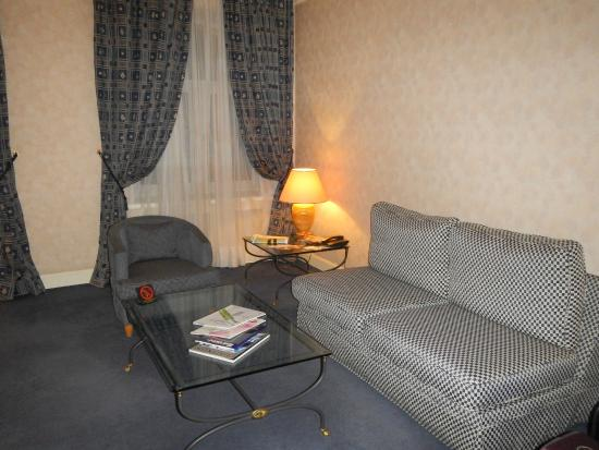 Grand Hotel Ukraine: Гостинная
