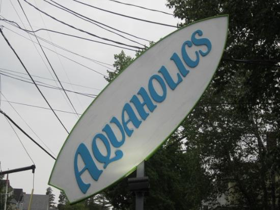 ‪Aquaholics Surf Shop‬