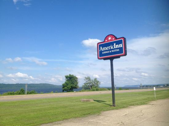 AmericInn Lodge & Suites Lake City: frontage