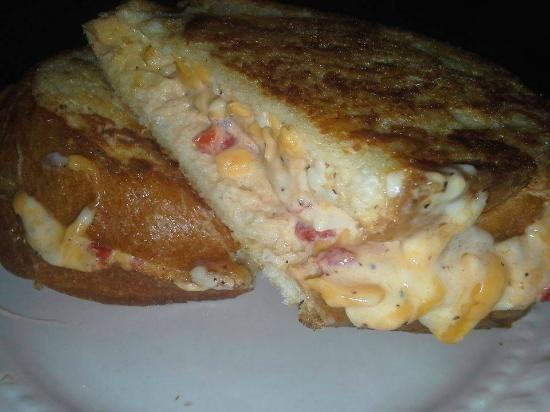 Greenville, Virginie : Grilled Pimento Cheese