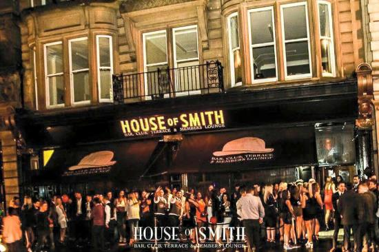 ‪House of Smith‬