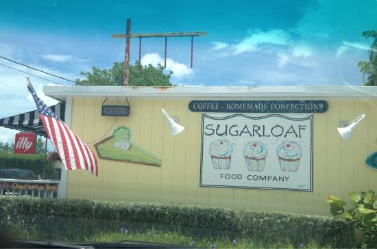 Sugarloaf Food Company: They have Illy Coffee!!!