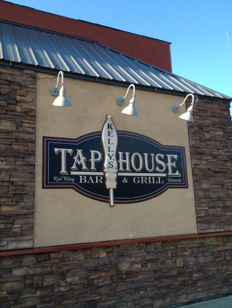 Kelly's Tap House Bar & Grill: front of building
