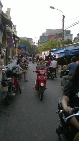 Paradise Boutique Hotel: Street Life