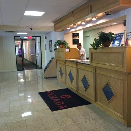 Ramada Triangle/Quantico: Guest services