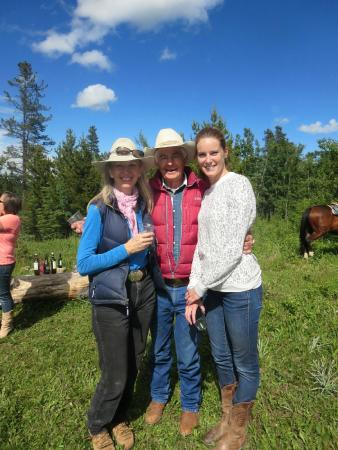 Homeplace Ranch : Susan, Mac Mackenny and excellent assistant, Kirsten