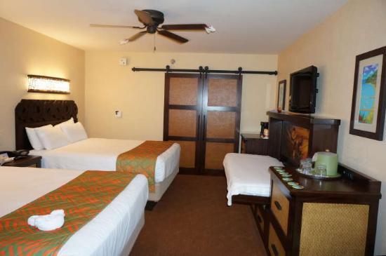 Disneys Caribbean Beach Resort Two Queen Beds And A Murphy Bed