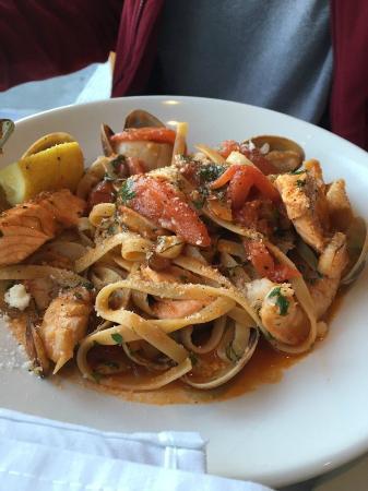 Trellis Restaurant: Fettucini Pescatore