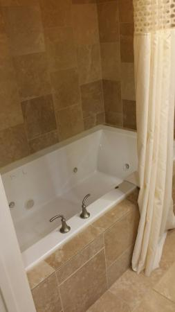 Hampton Inn Salt Lake City - North: King suite