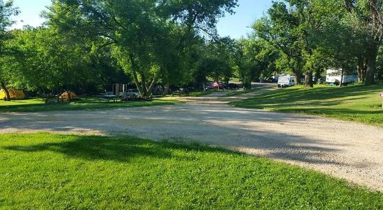 Vel Terra Ranch and Campground: path to the tent sites