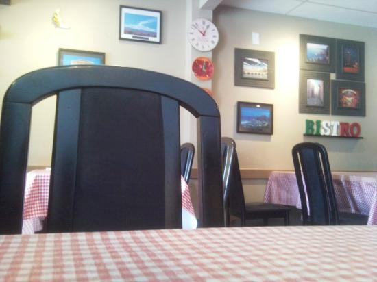 L'Isola Bella Bistro: view from my seat
