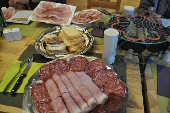 Restaurant Le Melezin: raclette avec fromage du village