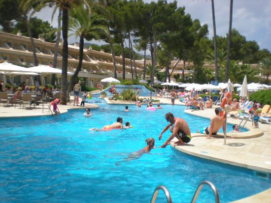 Iberostar Pinos Park: Poollandschaft