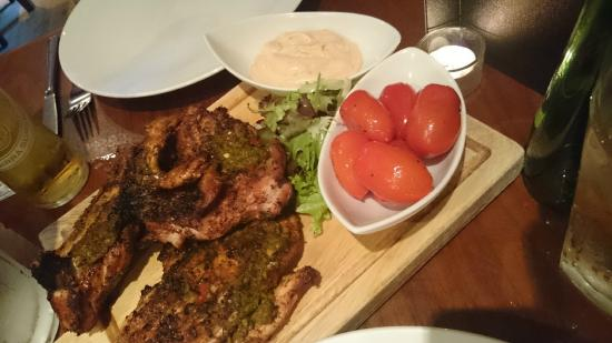 The Blue Boar Hotel: Chicken sharing platter