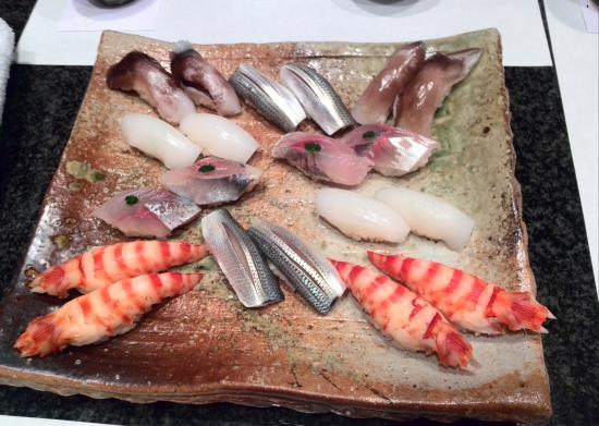 Sushi Kanesaka: 一皿盛