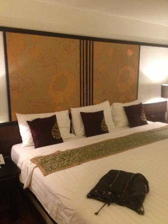 Baipho Boutique Residence Phuket : Huge other Bed in room 18
