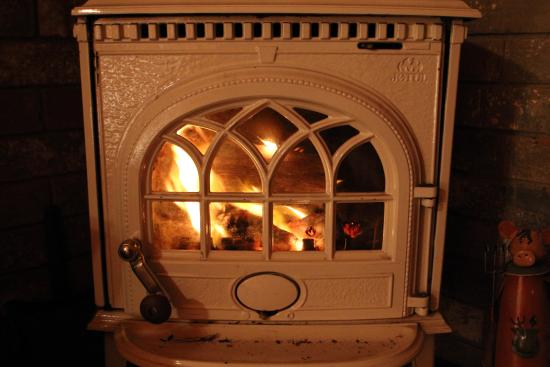 Rosebank Cottage Collection: wood heater - mesmerising flames
