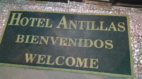 Hotel Antillas: Door Mat