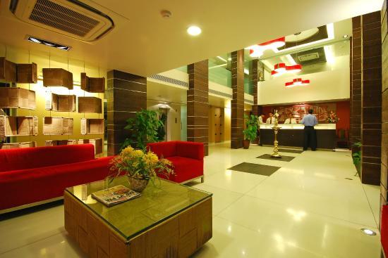 Hotel Shree Panchratna: Hotel Lobby