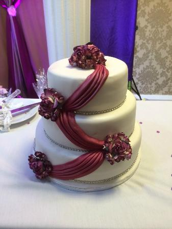 Naseeb Restaurant: Wedding Cake